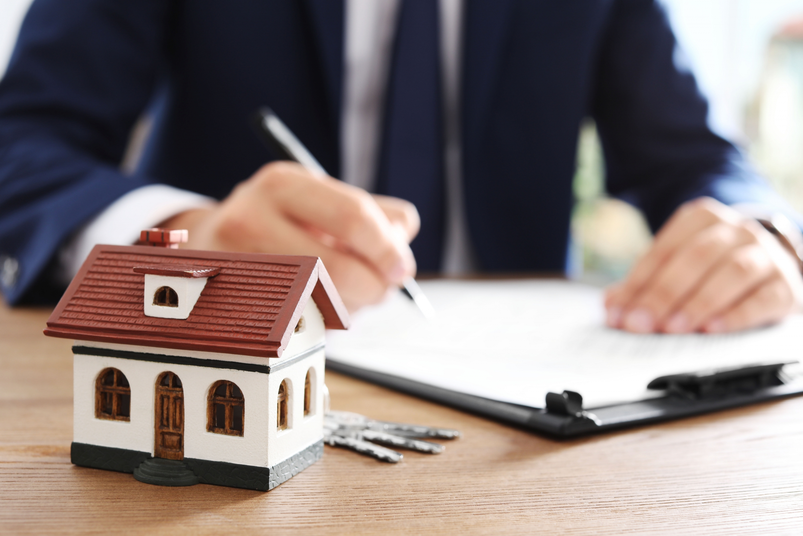 Can a Seller Get Consequential Damages From a Home Buyer Who Breaches the Contract?
